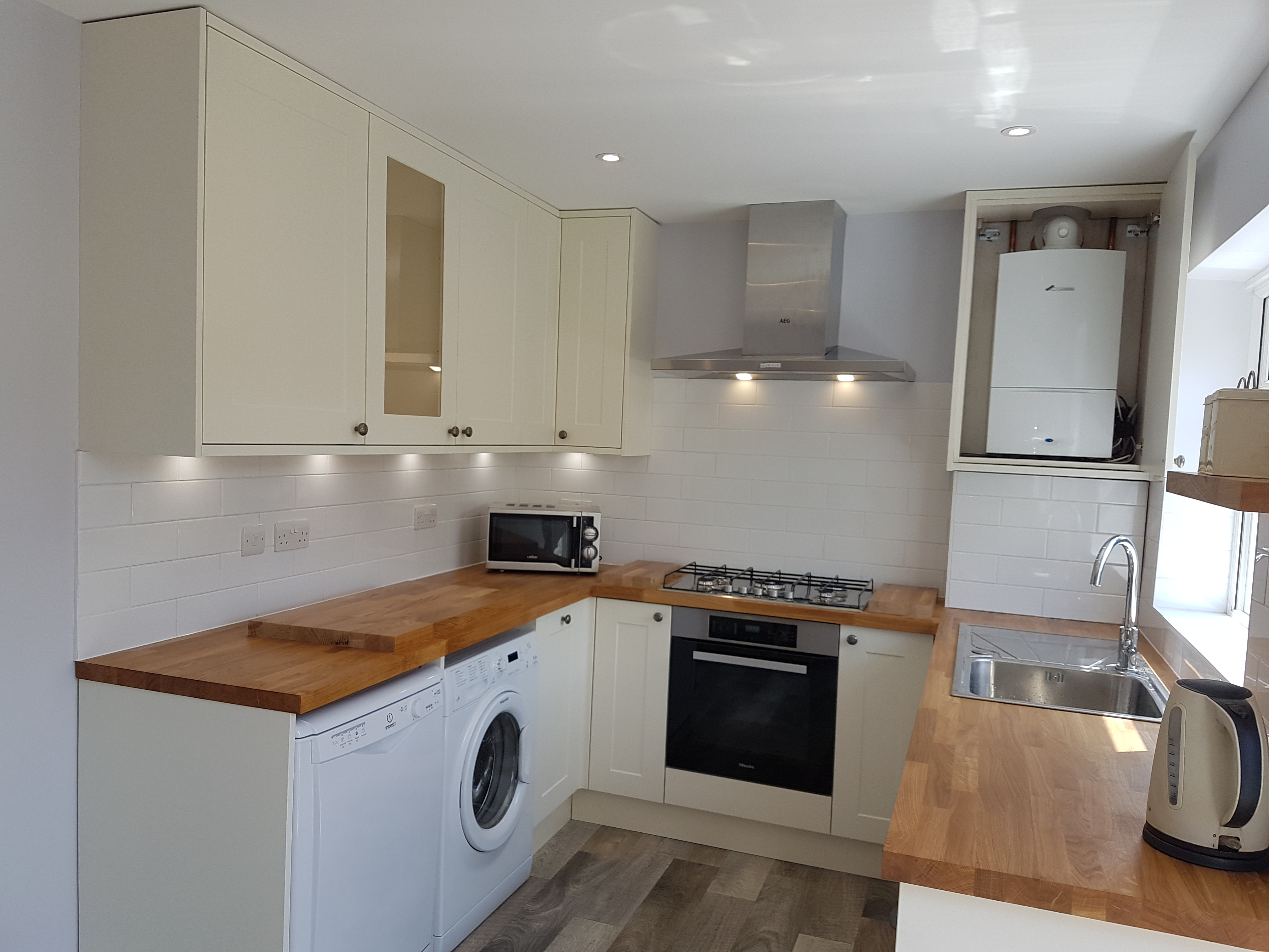 New Benchmarx Kitchen Fitted In Lower Morden Ash Build